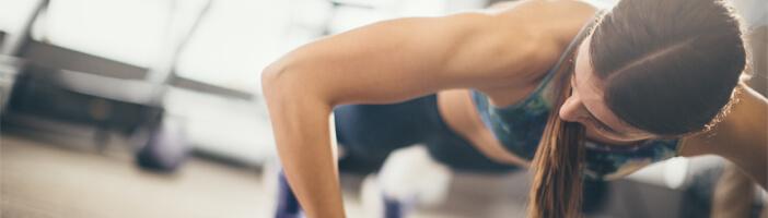 Brust Frau Training Übungen Sport