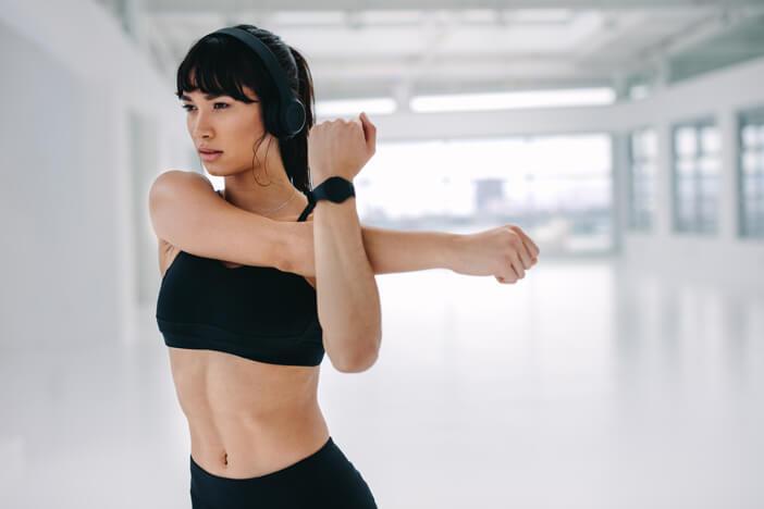 dehnen übungen fitness training muskeln verspannung