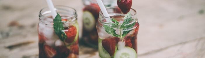 Infused Water mit Erdbeeren