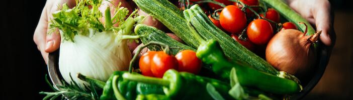 Upfit-Gemüse-Rohkost-Schüssel-gesund