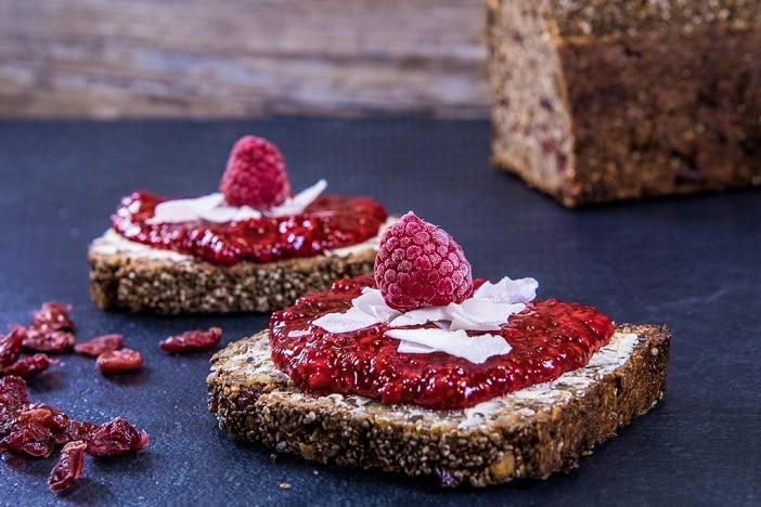 gesundes_brot_mit_marmelade_we_love_bakery